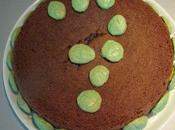 Leyla gâteau chocolat déco macarons