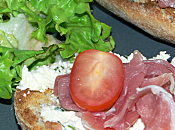 Tartine chèvre jambon