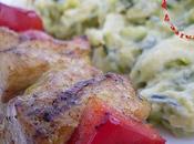 Brochettes poulet mariné, purée courgettes