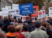 Rassemblement devant l'ambassade Birmanie