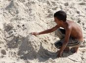 m'est égal lire sables plages sont chauds, veux pieds sentent André GIDE