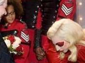 Lady GaGa: étonnante rencontre avec Reine d'Angleterre