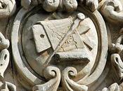 emblème d'architecte tailleur pierre Saintes (17)