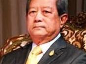 prochain rassemblement chemises rouges inquiète Surayud Chulanont