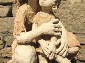 L'échange silencieux entre sculpture sculpteur…