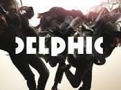 Delphic entre dans danse