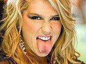 Quand Ke$ha s'éclate bowling avec 3OH!3...