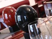 Pâques idée décoration table toute raffinement avec œufs d'autruche