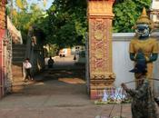 Croquis dimanche, silhouettes d'ailleurs d'ici: Voltaire, François Cheng, jardinier Vientiane