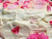 Gâteau nuage pétales rose