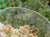 Crumble peches plates, amandes fraiches, pistaches