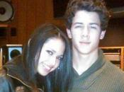 Nick Jonas Jasmine Villegas rapprochent