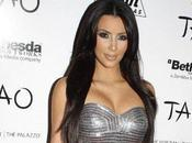 Kardashian Elle fait pari rester célibataire 2011