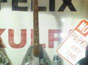 guitare Millenium Falcon