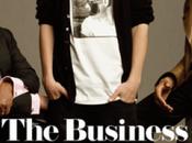 hommes derrière Justin Bieber