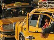 taxi-khaled-al-khamissi-egypte-L-XixctJ-175x130.jpeg