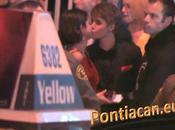 Justin Bieber bisou public (Vidéo)