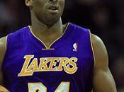 Kobe Bryant dépasse Moses Malone