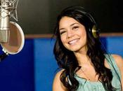 Vanessa Hudgens Elle fuit questions Efron (VIDEO)