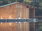 Construction d'une maison flottante (saison