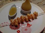 Brochette crevettes vanille poires pochées épices