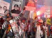 bouge Lorraine Social Journée sidérurgie hier Florange. cortège rouge pour fossoyeur