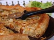 Tarte oignons fondus, morbier, pommes terre courgette
