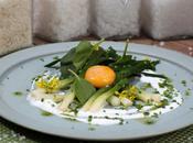 Jaune d'œuf extra frais, mariné vinaigre cidre fleur Camargue, poireaux tièdes, yaourt brebis, pousses d'épinards