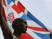 Mohamed Farah fait chavirer Londres avec doublé