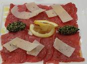 Mardi Carpaccio boeuf pesto Rôti porc mariné BBQ, poivron Marcellin, salade chiche Flan citron