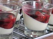 Panna cotta fraises coulis myrtilles