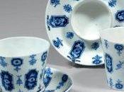 Servir thé, café chocolat XVIIIe siècle.