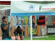 Football joueurs brésiliens Flamengo s'engagent contre gaspillage alimentaire