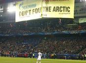 GreenPeace descend toit d'un stade Foot