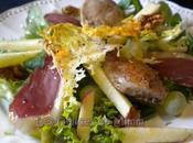 Salade automnale filets caille, magret fumé fruits saison