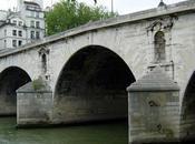 s'embrasser Paris pour Saint-Valentin?