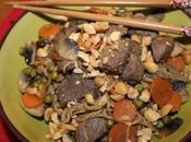 Nouilles sautées légumes, boeuf cacahuète