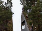 L'île d'Utoya coupée deux artiste mémoire victimes d'Anders Breivik