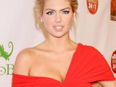 Beauté Kate Upton, nouvelle égérie Bobbi Brown Cosmetics