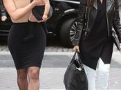 Kardashian avec fille North Kourtney lors leur arrivée chez Givenchy Paris 20.05.2014