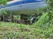 crée maison avec vieil avion hors service