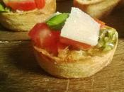 Mini Bruschetta tomates, basilic, parmesan l'ail confit