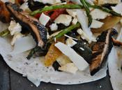 Pizza fines légumes grillés l'art faire repas avec traîne frigo