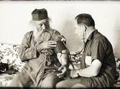 Quiz Photo Visite d'un médecin CICR Monastère Sainte Catherine, Sinaï, Egypte, 1967″
