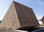 salle concert inclinée Peter Haimerl, Blaibach, Allemagne Architecture