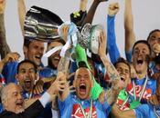 Naples soulève Supercoupe d'Italie