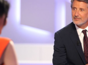 "Antoine Caunes continuer ""Grand Journal"" plus"