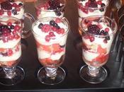 Verrines crème mousseline fruits bois.
