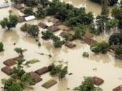 [Vietnam] Pluies, importantes inondations morts Tinh, Hanoi)