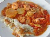 Filet merlan fricassée légumes crevettes